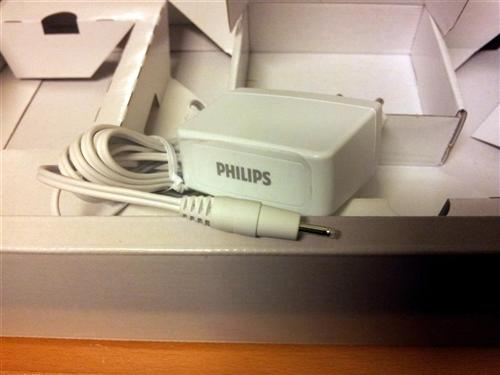 Philips BlueTouch Pain Relief Patch - Netzteil 12V / 1A mit Mini-Stecker